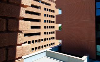 Malta colorata e facciavista: dare un tono alle facciate in mattoni