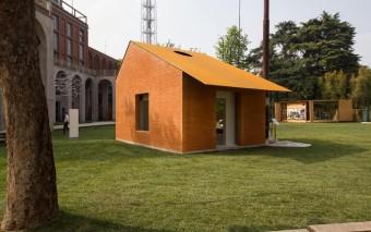 Arch and Art, l'opera collettiva e i materiali della tradizione: mattone e pietra